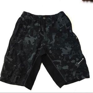 Endura Black camp baggy cycling shorts
